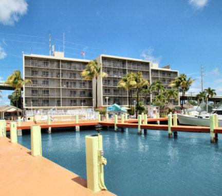 front-resort-aqua